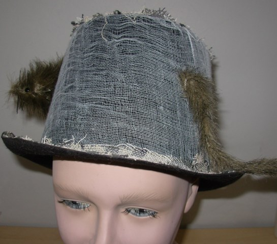 Hat with rat