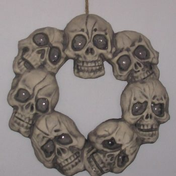 Skull wraeth with light up eyes