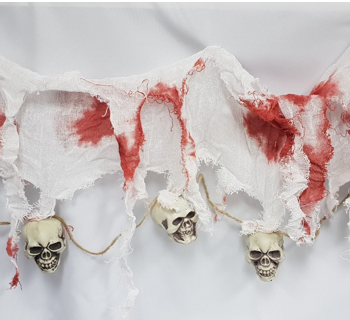 Skull & creepy cloth garland