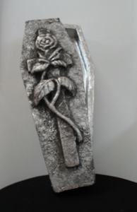 Silver coffin with 3D lid