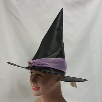Witch hat side view