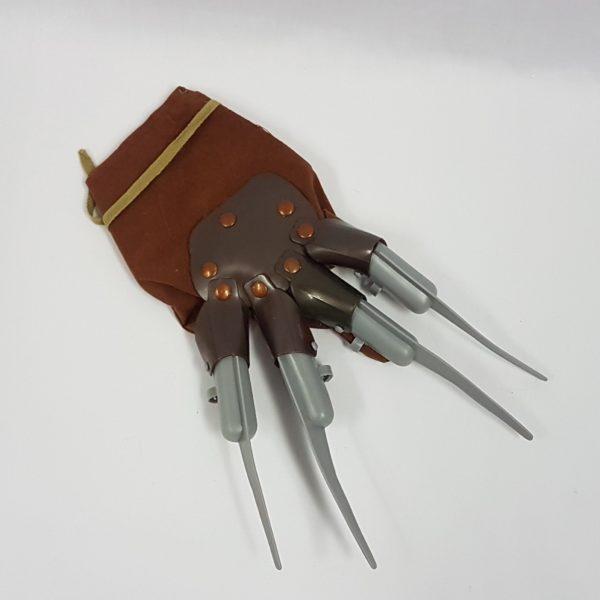 Freddie glove